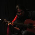 « Si proche, si loin, la guitare à la croisée des chemins… »