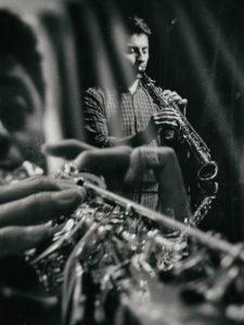 Read more about the article Vendredi 5 à 21h – Leonardo Davin Rojas – Un saxophone et mille mondes