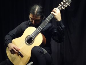 Vendredi 16 – 21h à 22h – Faisant regretz-Sebastián Carrasco récital de luth et guitare